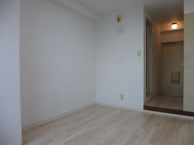 物件番号: 1119485711 しらさぎメモリアル  姫路市北平野2丁目 1K マンション 画像1
