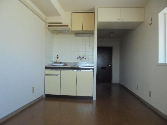 物件番号: 1119467707  姫路市白国5丁目 1R マンション 画像1